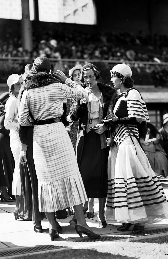 1000 Images About 1940s Fashion On Pinterest: 1940s: Fashions At The Melbourne Cup. Picture: Herald Sun