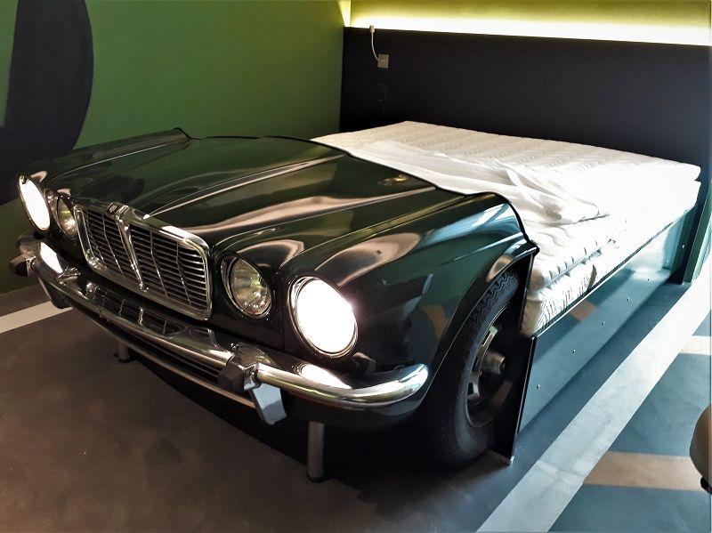 Bett aus einen jaguar xj series 2 beleuchtete
