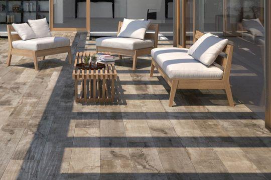 Terrasse  carrelages et dallages pour l\u0027extérieur Patios and House - carrelage terrasse exterieur imitation bois