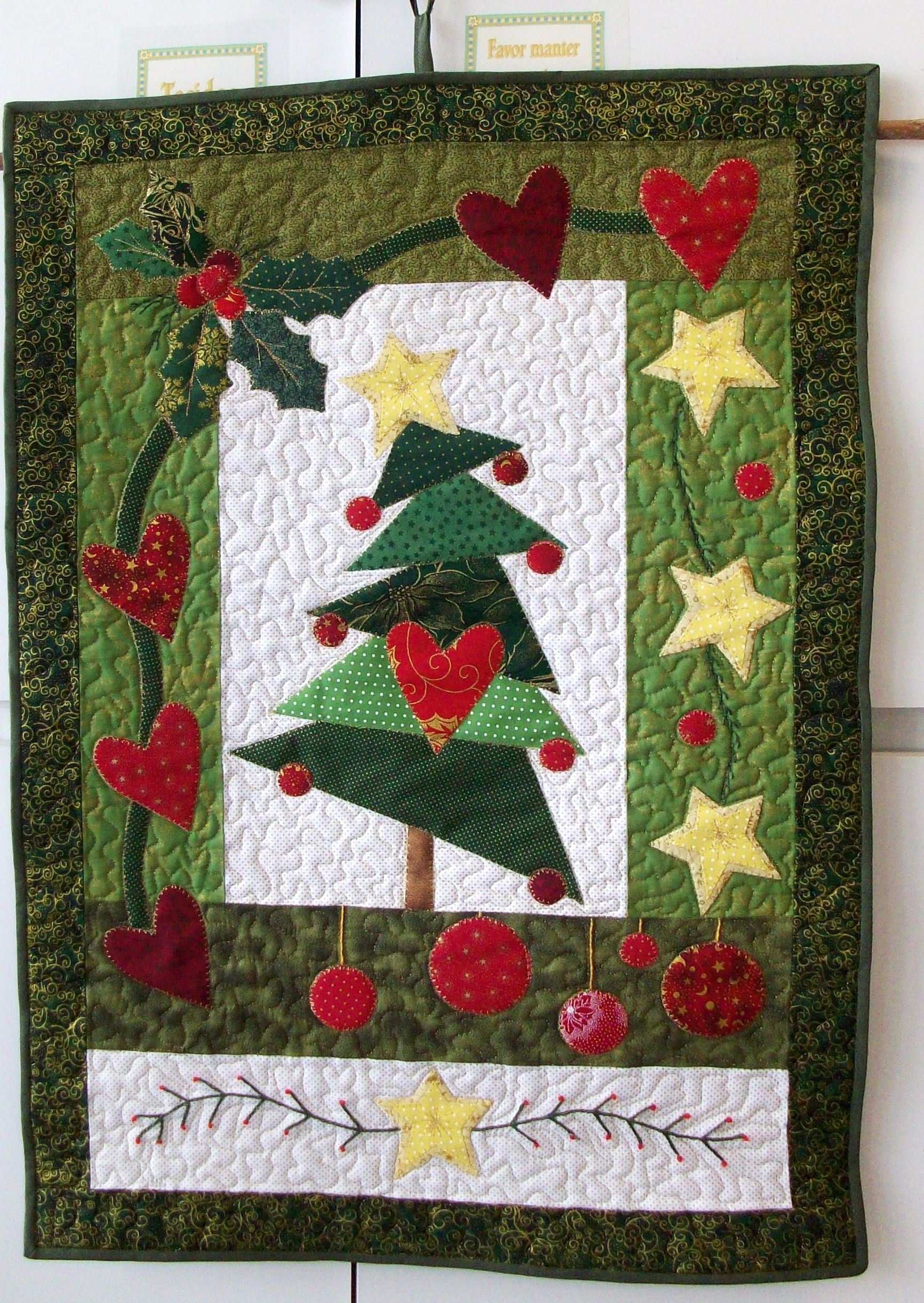 Pinterest Christmas Quilted Wall Hangings Pin By Heather Lutterman On Christmas Quilts Sewing