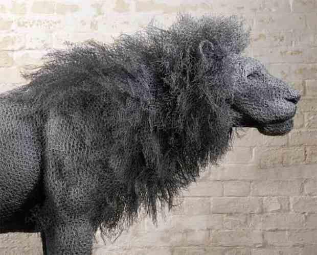 galvanized wire lion sculpture by Kendra Haste | Sculpture ...