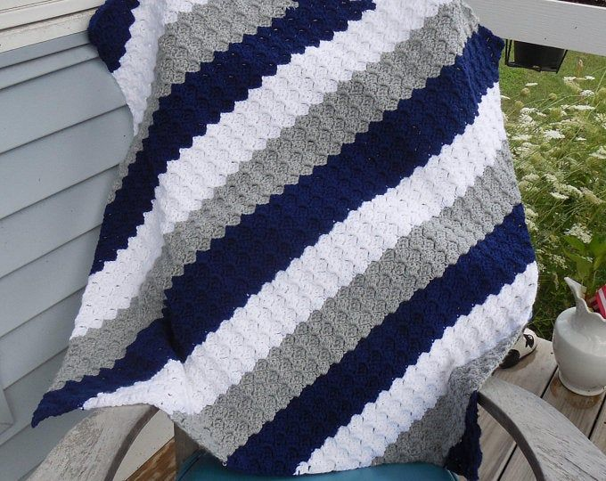 Photo of Multicolor Granny Rectangle Afghan