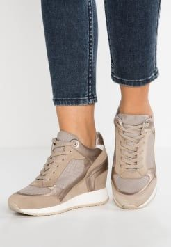womens ankle trainer boots