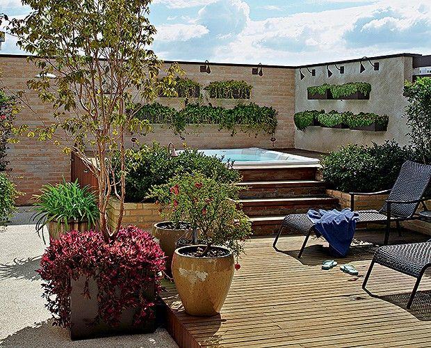 Decora o de jardim jacuzzi spa and patios - Fotos de jacuzzi ...