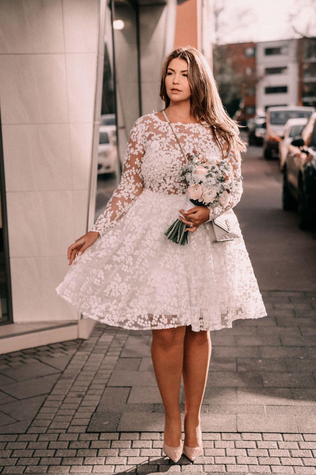 Lovely Farina  Hochzeit kleid standesamt, Standesamtliche trauung