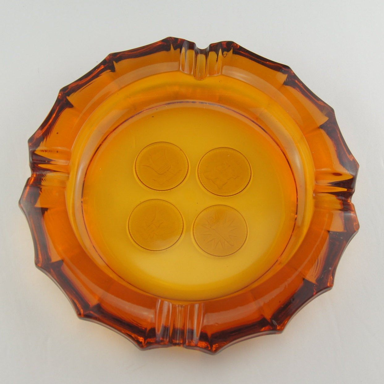 great condition very heavy over 7 inches in diameter Coin Ashtray vintage tobacciana 1950s or 1960s Fostoria amber coin ash tray