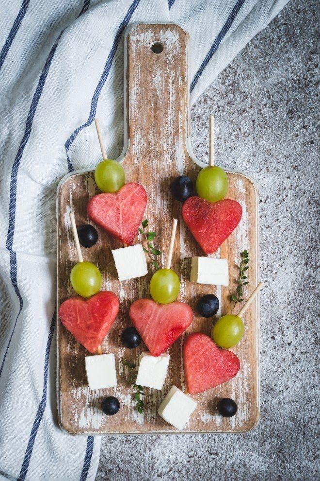 plus de 30 plats en forme de coeur parfaits pour la saint. Black Bedroom Furniture Sets. Home Design Ideas