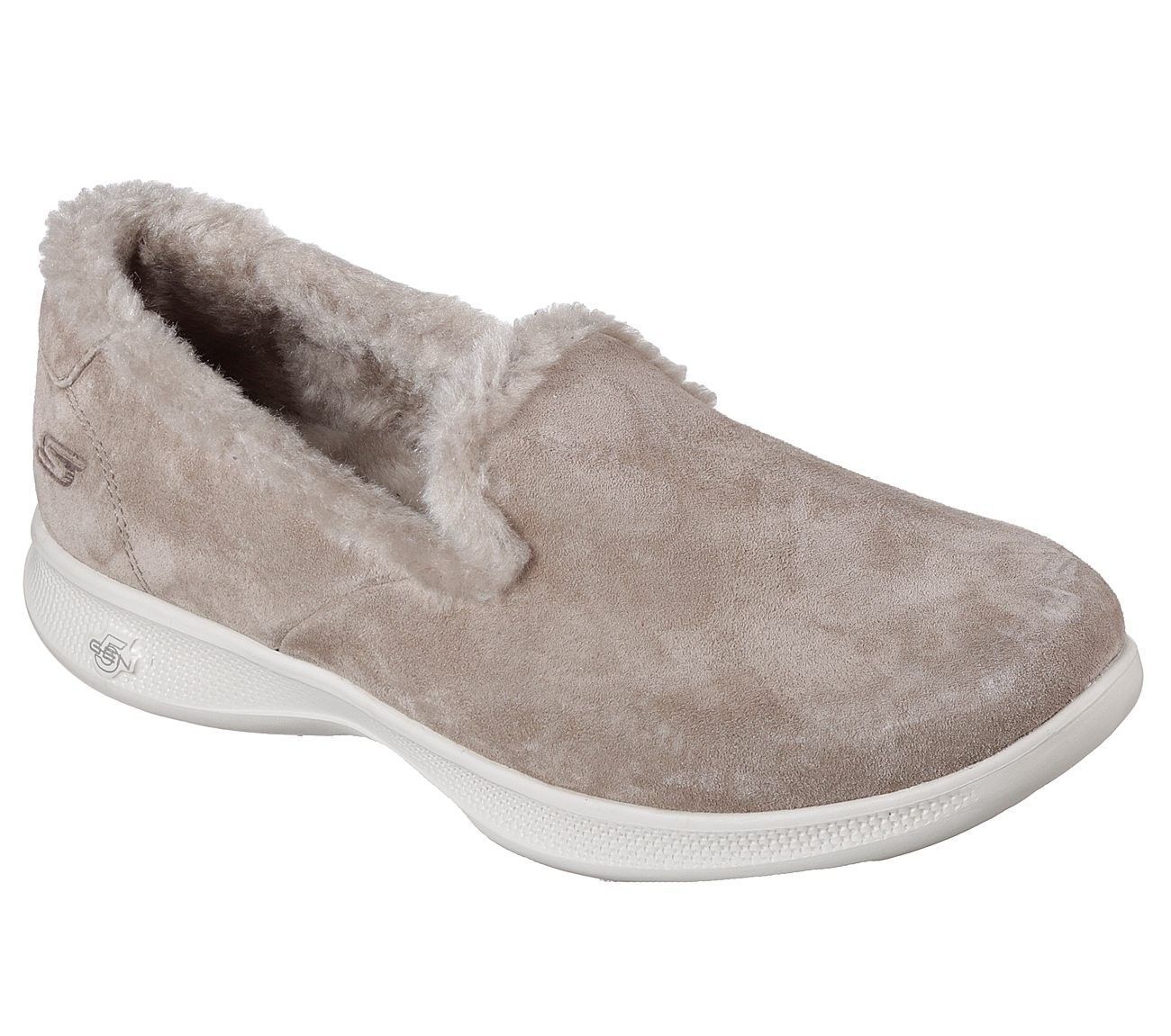 SKECHERS FUZZIES. GO STEP LITE FUZZIES. SKECHERS  65.00   Fashion (scarpe Athletic   b63740
