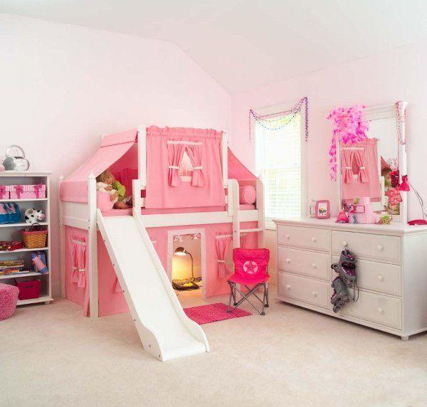 Chambre Pour Enfant Avec Un Lit Mezzanine Et Toboggan | Chambre