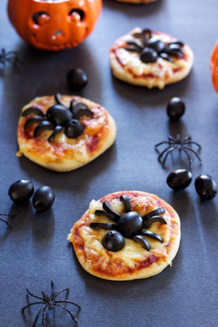 1001 Recettes Effrayantes Pour Un Repas D Halloween Monstrueusement Gourmand Repashallowee Halloween Food For Party Halloween Snacks Savory Halloween Food