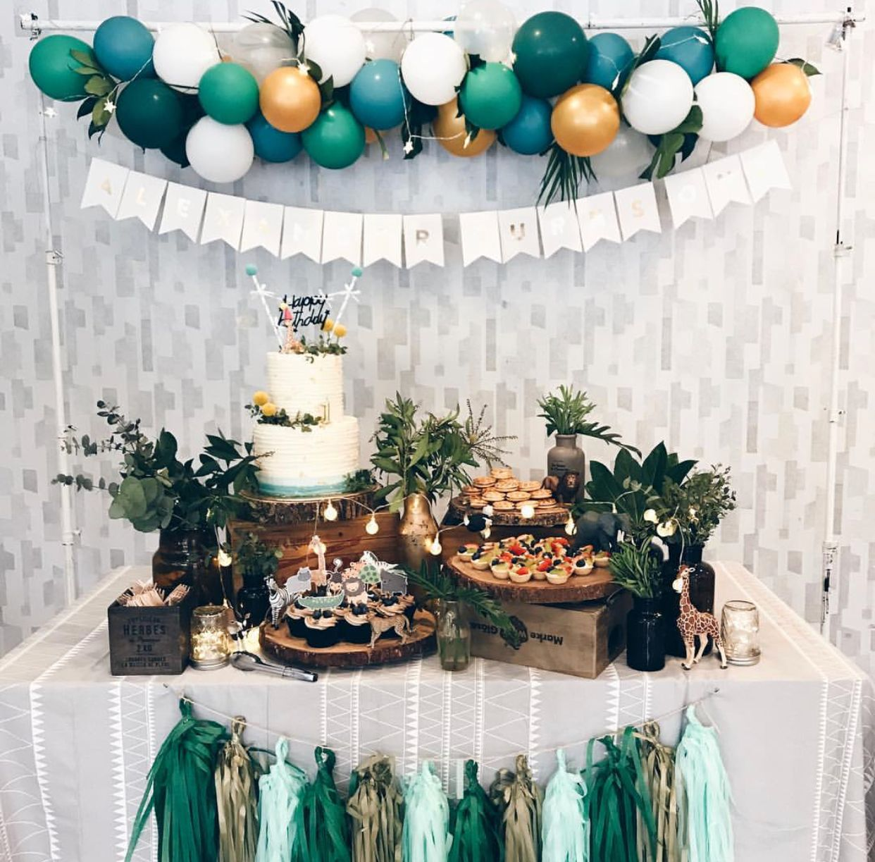 Love this color scheme Tropical birthday party, Boy baby