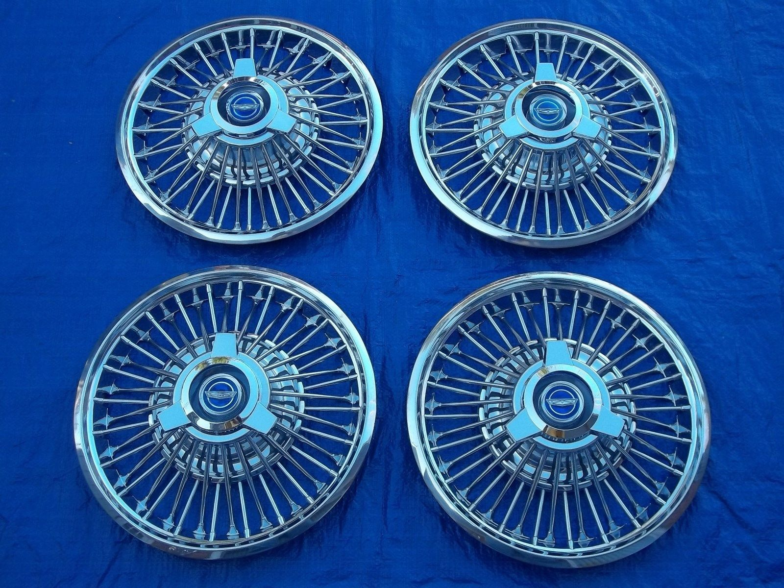 Beautiful 1964 1 2 1965 1966 Ford Mustang Wire Spinner 14 Hubcaps Wiring Wheelcovers Ebay