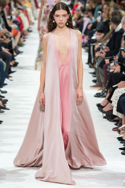 Valentino Spring  ReadytoWear Fashion Show  Valentino Spring