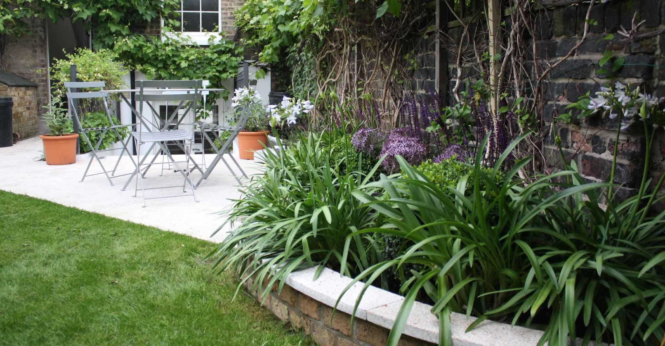 Long Thin Greenwich Cottage Garden | Garden design london ...