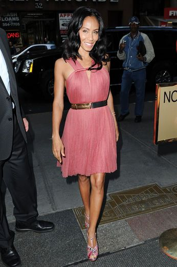 Jada Pinkett-Smith looking all pretty in pink!!!!
