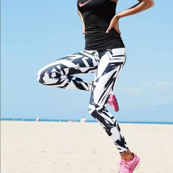 Nike legend 2.0 abstract geometric leggings tight Nike Women's Legend Poly  2.0 Floe Running Tights -