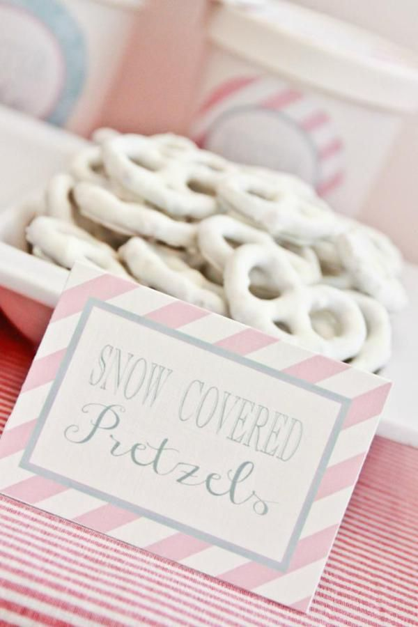 Sirve dulces blancos en tu fiesta nieve / Serve white snacks at your snow party
