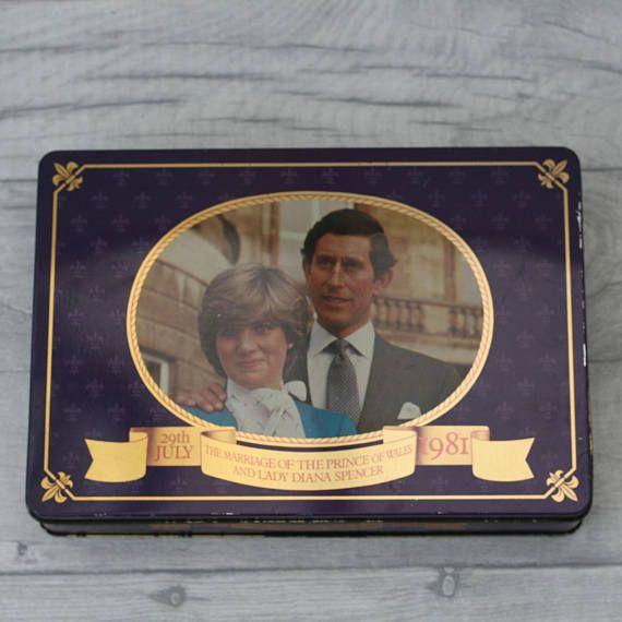 Commemorative Royal Wedding Biscuit Tin Memorabilia Prince Charles And Princess Diana 1981 Cadbury