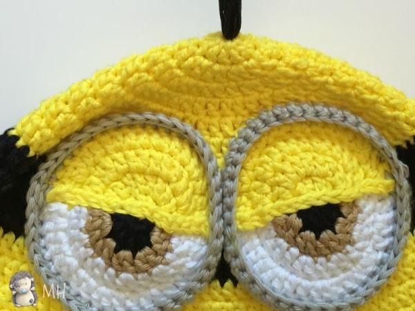 Gorro Minion a crochet, ¡con patrón de puntos!   Gorros, Muñecos en ...