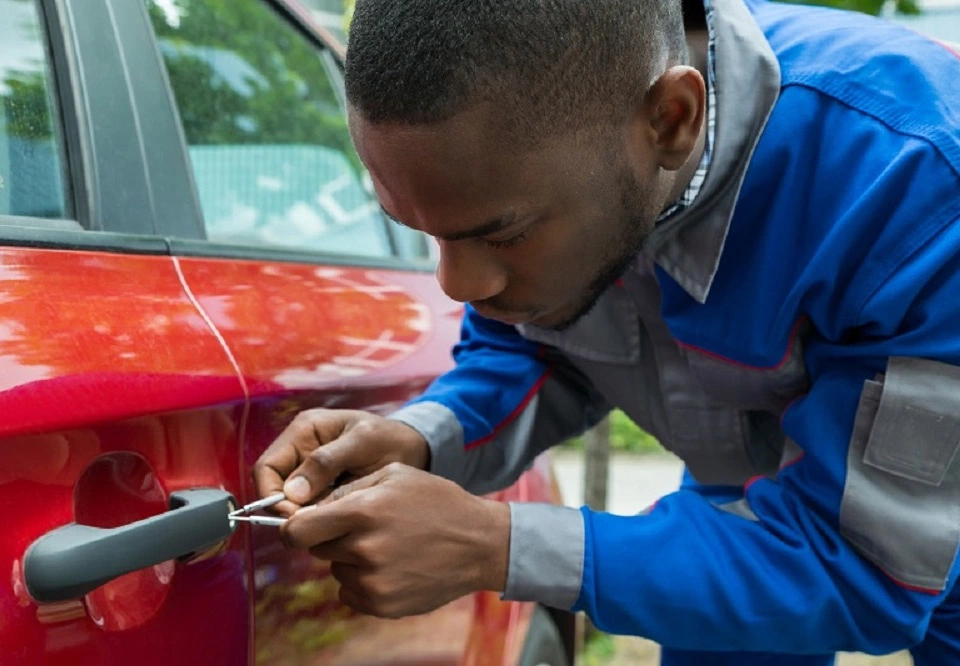 Solve Most of The Problems with Car Key Replacement   Car ...