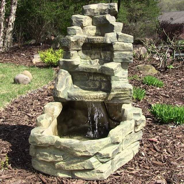 garten-brunnen-stein-ideen-wasserfall-design (640×640, Garten und bauen