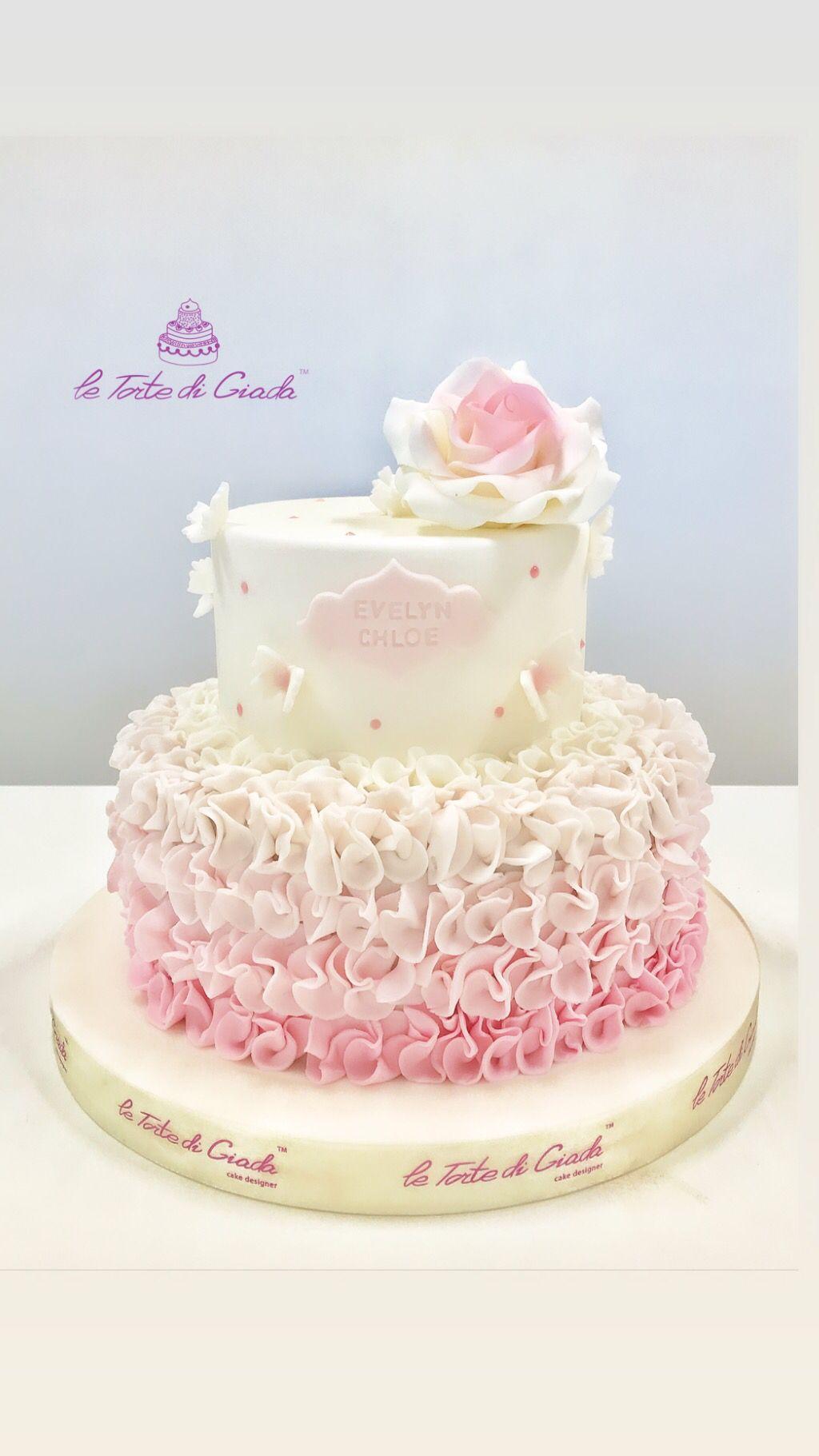 Fiori In Pasta Di Zucchero.Torta Da Battesimo In Pasta Di Zucchero Con Farfalle E Fiori E