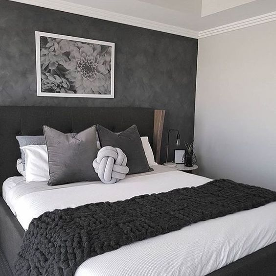 35 Inspiring Black and White Master Bedroom Color Ideas - Pinpon