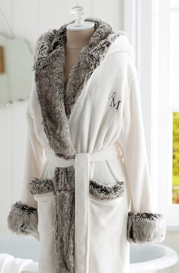 Pin By Luxefinds Com On Gift Ideas For Her Fur Robe