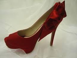 Resultado de imagem para sapatos vermelhos