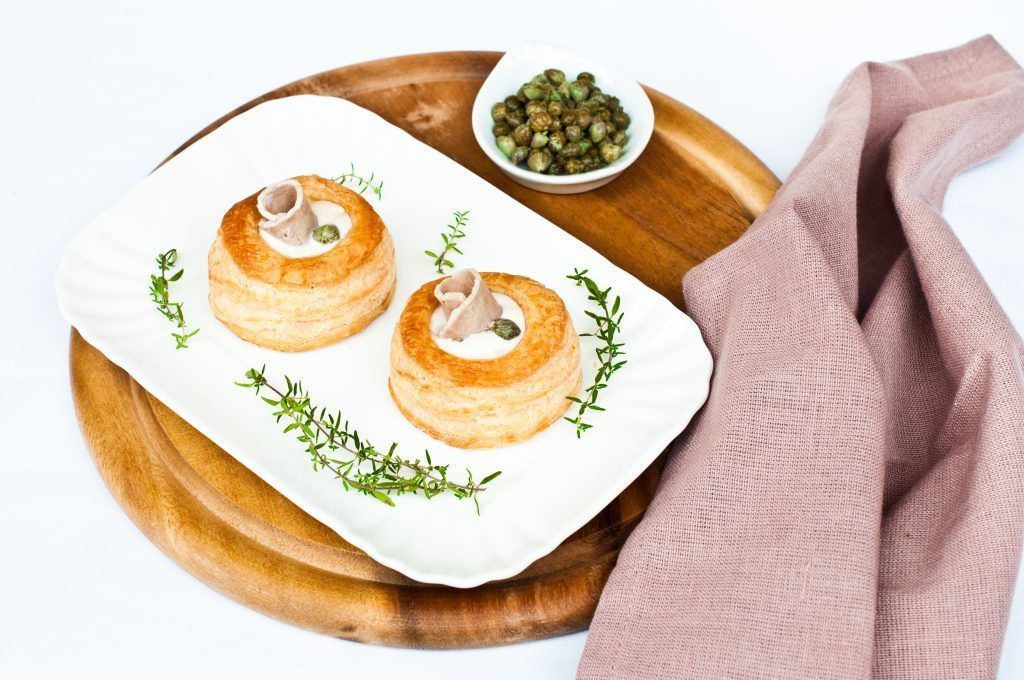 Photo of Vol au vent with veal with tuna sauce-Vol au vent con vitell…