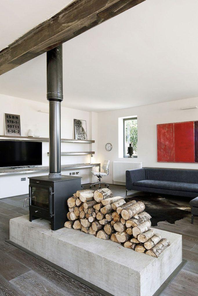 A Garage Extension Rebuilt Into A Rustic-Industrial Residence - moderne wohnzimmer gestalten
