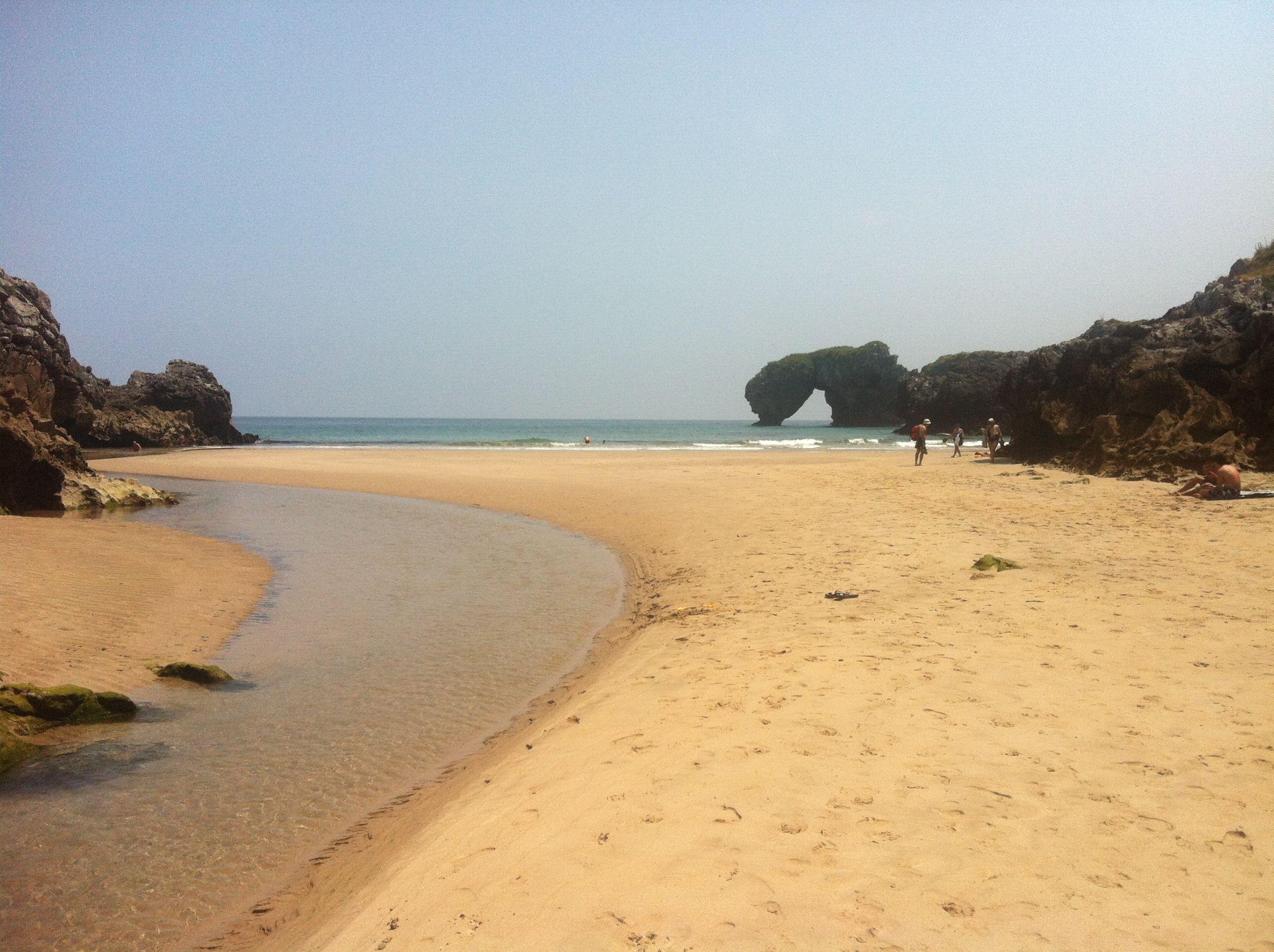 Playa de la Huelga desierta en pleno julio
