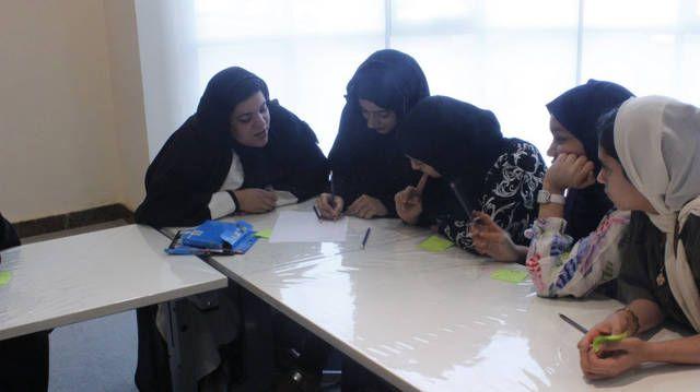 200 طالبة تعلمن ثقافة ريادة الأعمال والقيادة ضمن برنامج التدريب وتطوير الأعمال…
