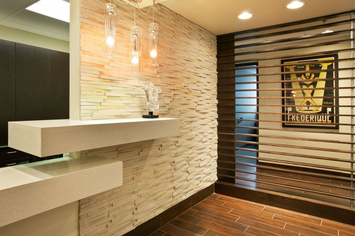 plastic-surgery-office-denver-hallway-office-with-white-wall ...