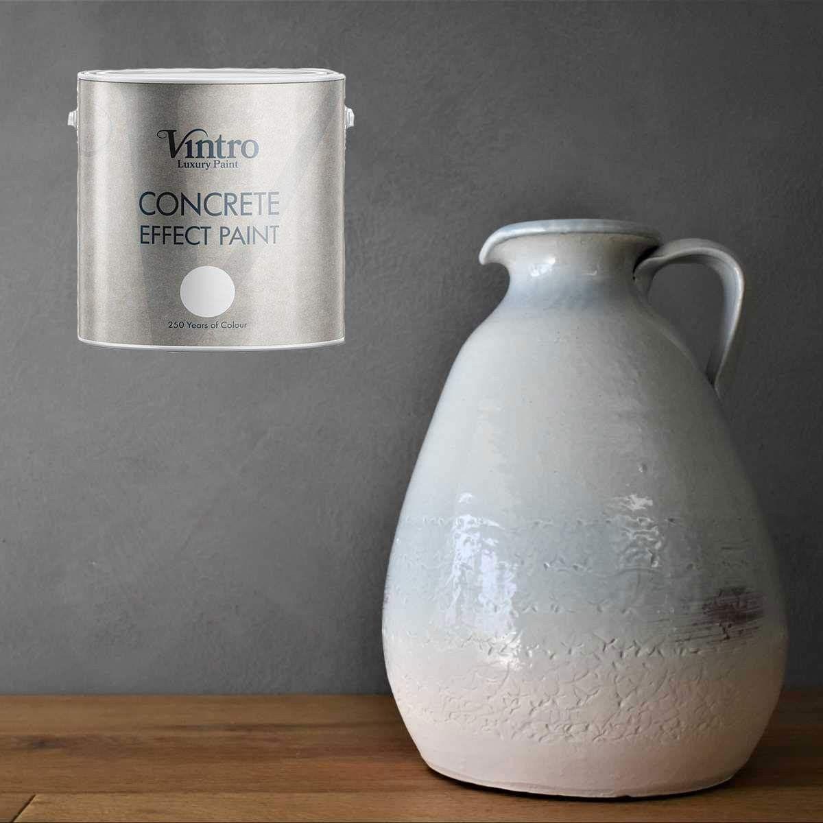 Voor slechts €66,95 heb je 2,5 liter Vintro Concrete Paint en kan je ongeveer 20 m2 omtoveren in beton! Van muren tot meubelen. Deze verf is geurloos en heel makkelijk te verwerken. Om alle kneepjes te leren kan je ook een workshop volgen.