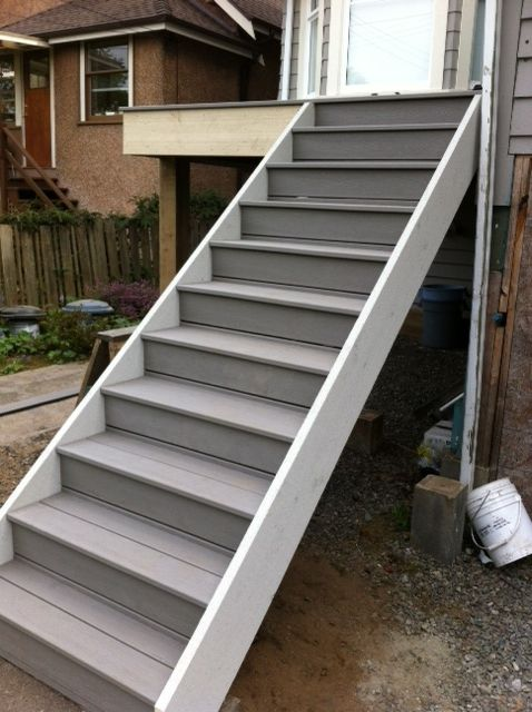 Pin By Chris Mcclanahan On Deck Deck Stairs Stairs