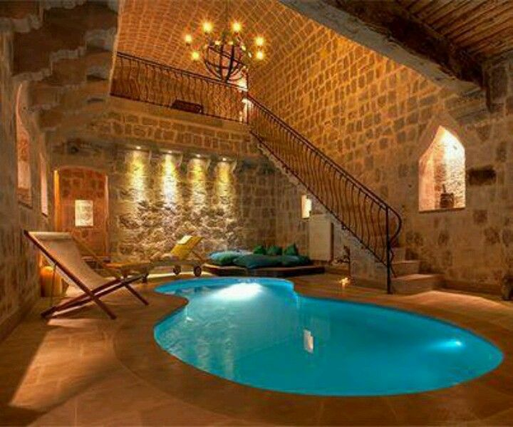 Indoor pool in my future castle : ideeën voor het huis