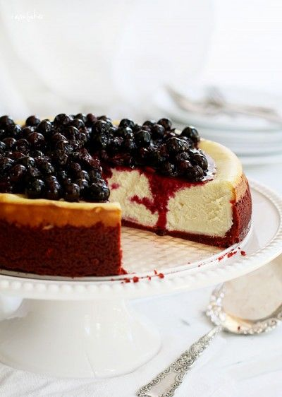 New York Cheesecake With Red Velvet Crust And Blueberries