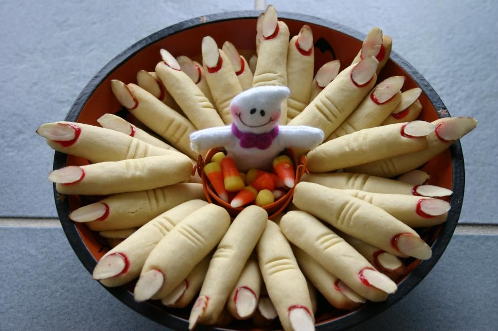 Halloween themed cakes | Halloween foods, Finger and Halloween cakes