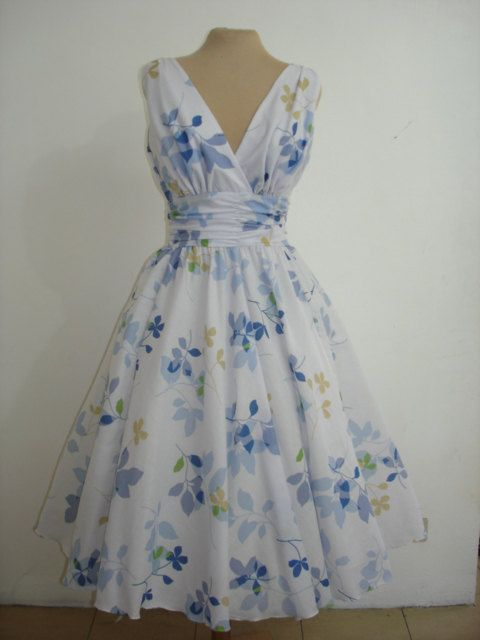 A Custom Made Dress With The Option Of Having Made Exactly To Your Measurements From Etsy Designer Elegance50 50 Style Dresses Beautiful Dresses Pretty Dresses