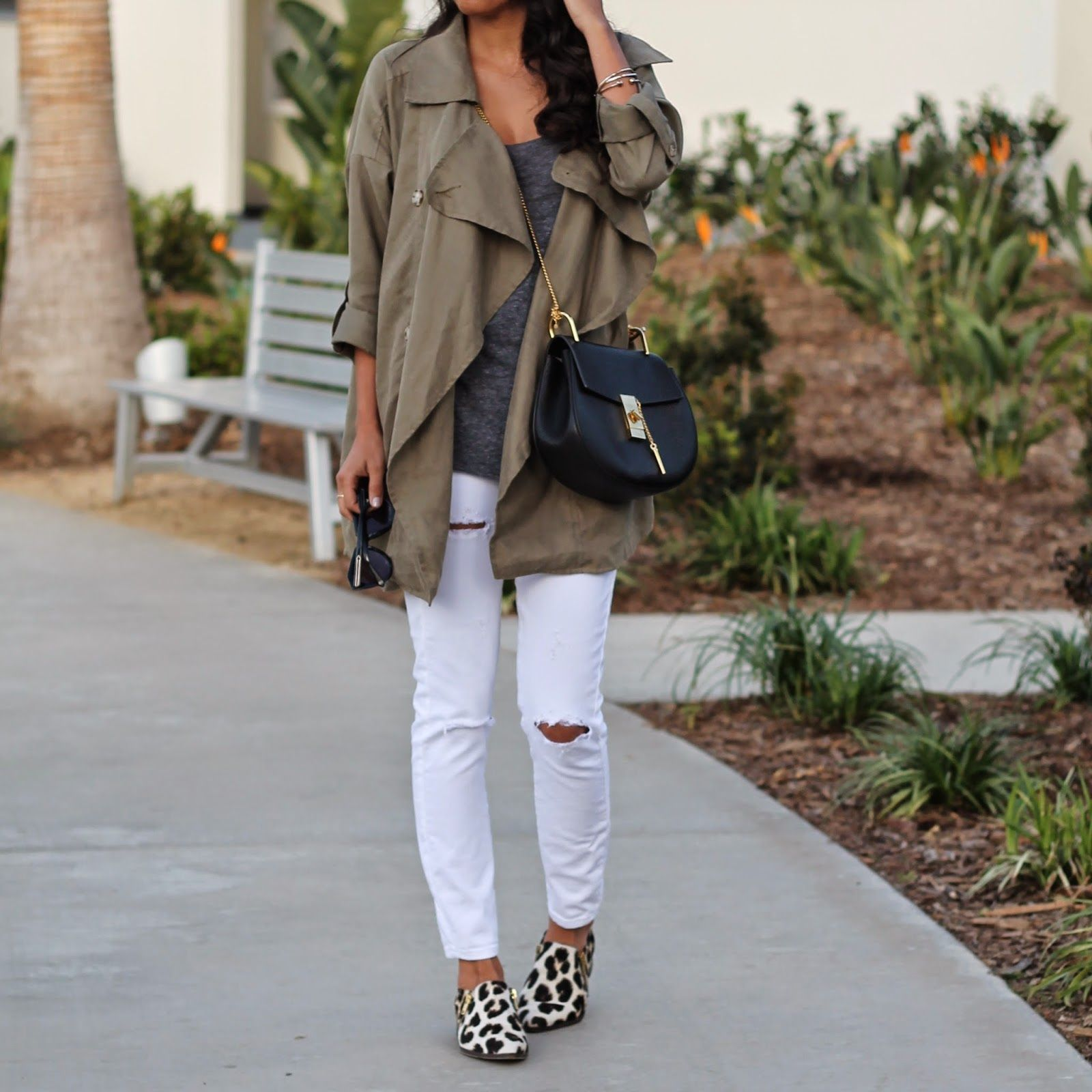 how to wear white denim, chloe drew bag, Venice casual outfit ...