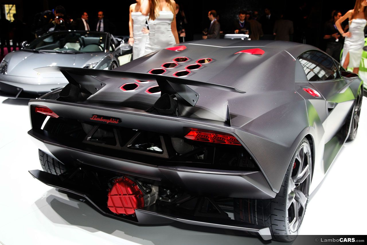 The Lamborghini Sesto Elemento Seen From The Rear, Note That Red Cover On  The Engine, A Very Nice Touch