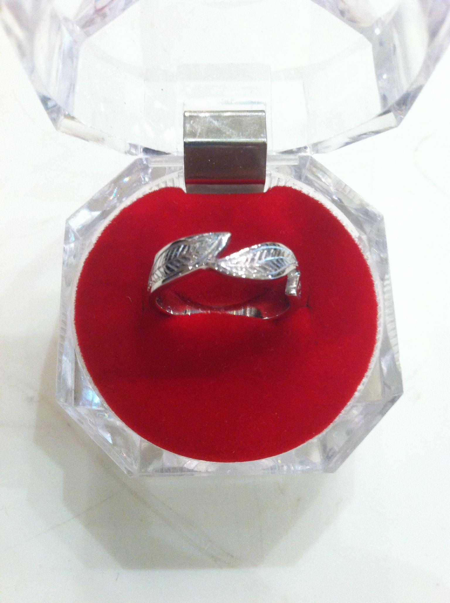 Pin Di Cincin Emas Model Bunga