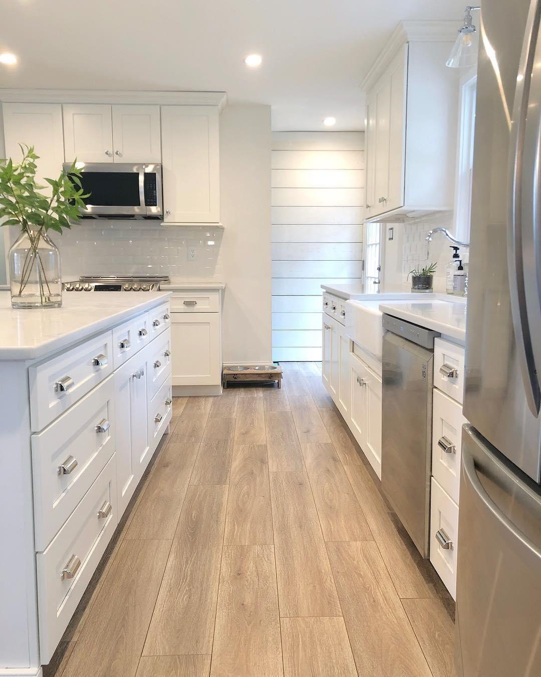 Floor Decor On Instagram Raise A Glass Of Orange Juice For Kitchens That Have Gorgeous Hardwood Floors Fi Home Decor Kitchen Kitchen Design Kitchen Decor