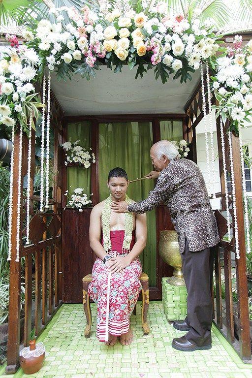 Pernikahan Adat Jawa Maria dan Awan di Bandung