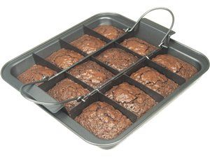 Customer Service Information Brownie Pan Chicago Metallic