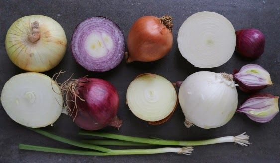 There are quite a few health benefits to eating onions and we've included just 10 below to get you started on understanding why this vegetable is so important for good health.