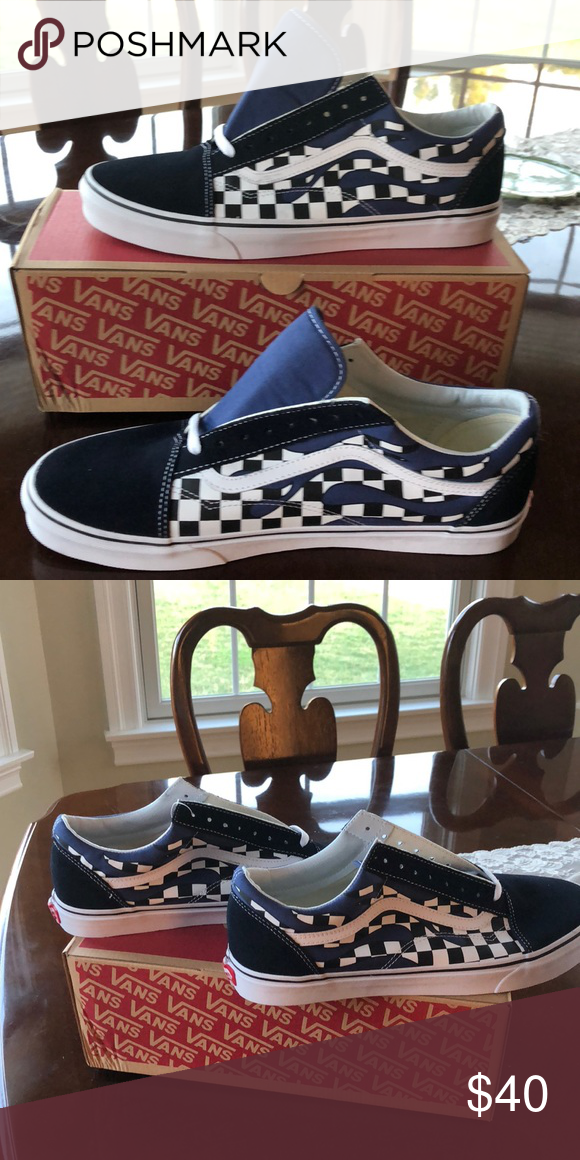 8cef5573a5 OLD SKOOL Checker Flame- Navy True Vans Unisex Old Skool (Checker Flame)  Navy  White Uppers of canvas and suede or leather. Vans Shoes Sneakers