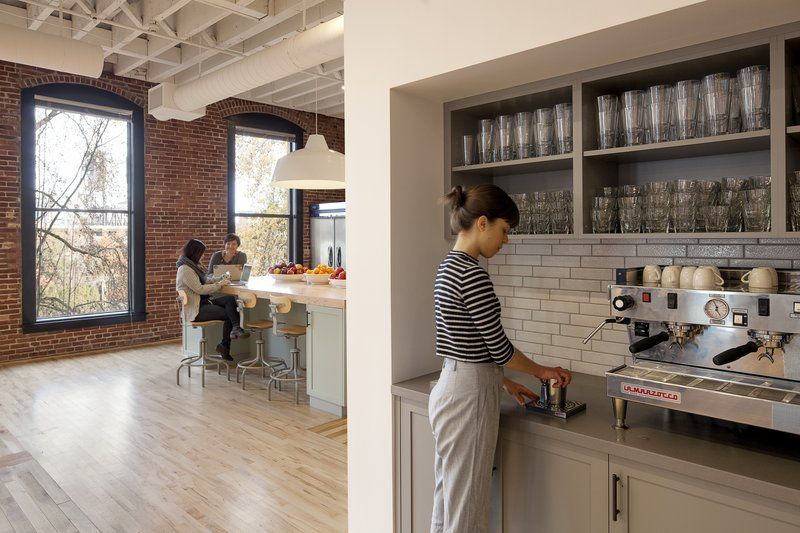 Merveilleux AirBNB Portland Office   Coffee Bar