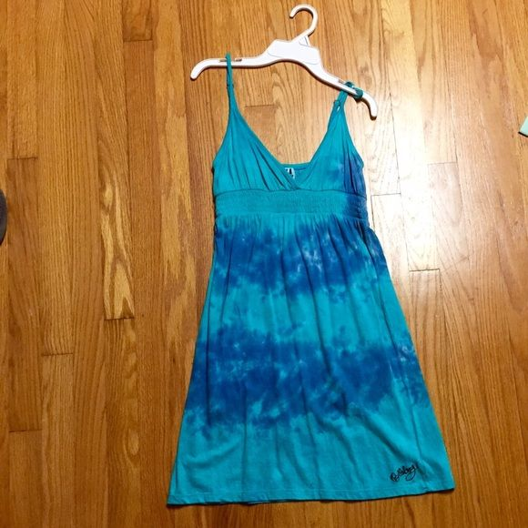 Tye dye billabong sun dress/cover up Perfect for a summery warm beach day Billabong Dresses Mini